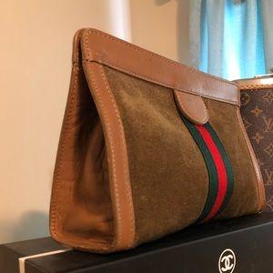 fa4b9f2bd11252 Women Gucci Vintage Clutch Bag on Poshmark